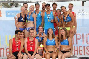 Knokke : BK Beach volley : finale Mannen  Dries Koekelkoeren en Tom van Walle ( blauw) . Vrouwen Maud Catry en Els Vandesteene kampioen van Belgie  foto VDB / BART VANDENBROUCKE